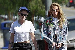 Kristen Stewart và bạn gái đồng giới khoe chân dài, tình tứ dạo phố