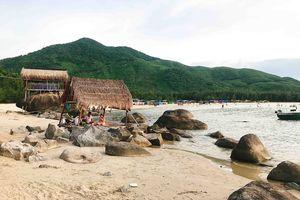 Đến Huế ngắm vẻ đẹp hoang sơ của biển Lộc Bình