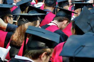 Hé lộ 10 'bí mật' về những tân cử nhân Đại học Harvard