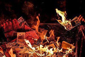 Tháng cô hồn: Có nên đốt nhiều vàng mã để thể hiện lòng thành tâm?