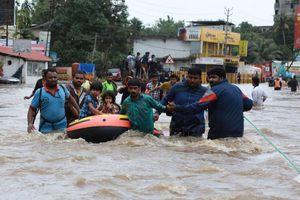 Ấn Độ: Trận lũ lụt lịch sử đã khiến ít nhất 320 người thiệt mạng