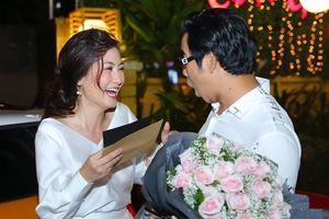 Ngọc Lan bất ngờ khi được chồng tặng xe hơi tiền tỷ nhân ngày sinh nhật