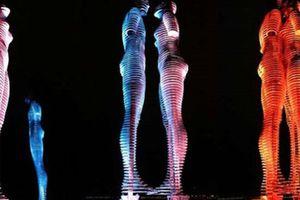 Tượng tình nhân: Tác phẩm điêu khắc lãng mạn nhất thế giới xuất hiện ở bờ biển Khánh Hòa