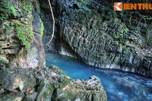Chiêm ngưỡng vẻ đẹp của dòng suối huyền thoại nơi chiến khu Pác Bó