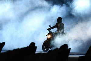 Tranh cãi việc tổng thống Indonesia lái môtô ở lễ khai mạc ASIAD