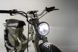 'Soi' xe máy Honda Super Cub Tàu chạy điện giá rẻ
