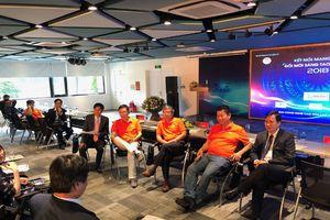 Các chuyên gia đối thoại với 3 tập đoàn công nghệ hàng đầu Việt Nam