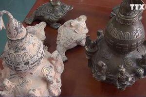 CẢNH GIÁC: Nhiều người dân Quảng Trị dính bẫy chiêu giả công nhân bán đồ cổ dỏm