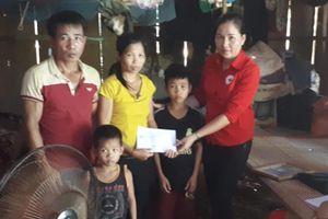 Hội Chữ thập đỏ TP Hà Nội trao đổi kinh nghiệm công tác Hội tại Lào