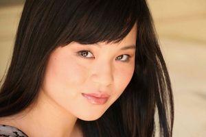 Sao Hollywood ca ngợi diễn viên gốc Việt vì bài báo chống lại kỳ thị