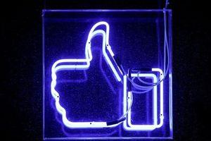 Facebook, Twitter đồng loạt xóa hàng trăm trang, nhóm và tài khoản liên kết với Iran, Nga