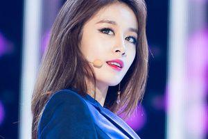 Jiyeon (T-ara) đột ngột hủy lịch trình tại Hong Kong, fan ngậm ngùi: 'Cô gái ơi, giữ gìn sức khỏe nhé!'
