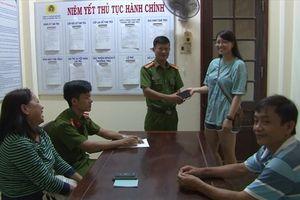 Huế: Công an phường Phú Cát tìm lại tài sản cho hai Việt kiều Mỹ