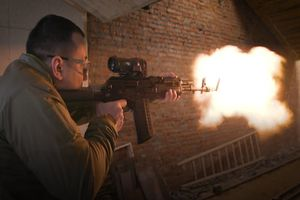 Nga giới thiệu 'hậu duệ' súng AK-47 khiến cả NATO phát thèm