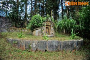 Đến ngôi mộ đặc biệt của người vợ được Vua Mèo hết mực yêu thương