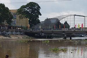 Sóc Trăng: Tìm kiếm nữ sinh bỗng dưng lao xuống sông mất tích