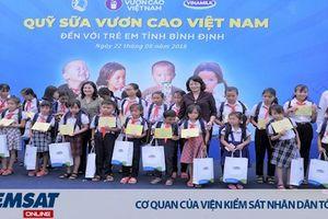 Quỹ sữa vươn cao Việt Nam và Vinamilk tiếp tục trao 64.000 ly sữa cho trẻ em tỉnh Bình Định