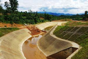 Kênh bê tông hàng chục tỉ sạt lở sau trận mưa