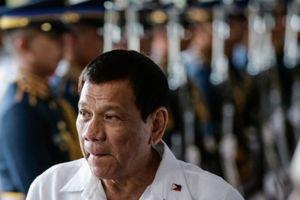 Tổng thống Philippines dọa 'xử' Trung Quốc bằng rựa