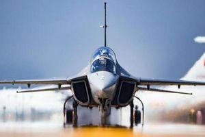 Mỹ giận dữ tố Ukraine 'đâm sau lưng' khi cung cấp động cơ máy bay cho Trung Quốc
