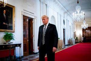 Trump và 'tháng 8 tồi tệ': Lựa chọn sống còn của 2 phe tại Mỹ
