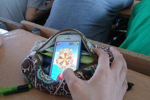 Sinh viên sử dụng điện thoại trong giờ học 4 lần sẽ bị đình chỉ học 1 năm