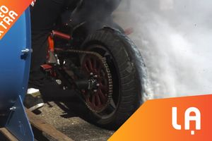 Nổi da gà khi xem bánh xe phát nổ ở tốc độ 28.500 fps
