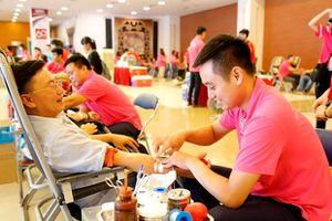 3.000 người đăng ký Hiến máu Youth Day
