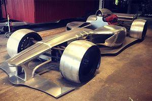 Dân chơi tự chế siêu xe đua F1 từ động cơ Ferrari cũ