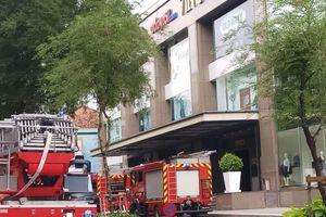 Cháy tòa nhà VinCom Center Đồng Khởi, hàng trăm người được sơ tán kịp thời