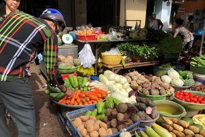 Trà trộn rau, củ Trung Quốc ở chợ Sài Gòn