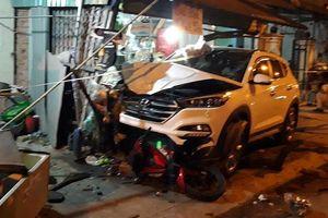 Tai nạn liên hoàn làm 8 người thương vong