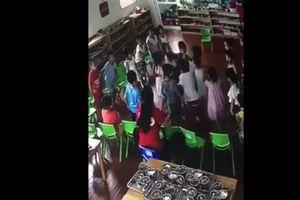 Vụ cô giáo mầm non cho các bé đánh bạn: Họp khẩn