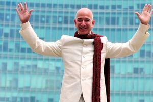 Người giàu nhất hành tinh tiêu khối tài sản hơn 158 tỷ USD như thế nào?