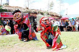 'Vui Tết Độc lập' tại Làng Văn hóa-Du lịch các dân tộc Việt Nam
