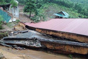 Thanh Hóa: Mưa lớn gây đổ sập nhiều nhà cửa, trường học