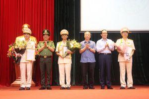 Chính thức sáp nhập Cảnh sát PCCC về Công an TP Hà Nội