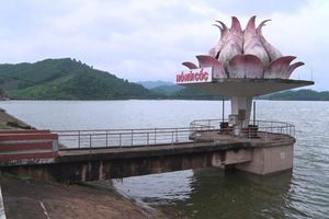Thái Nguyên: Xả đáy hồ Núi Cốc