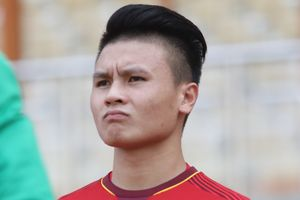 BLV Quang Huy: 'Đừng trách Quang Hải, cậu ấy mệt rồi!'