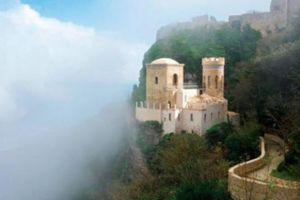 Những ngôi làng huyền bí nằm giữa lòng châu Âu