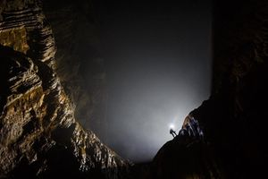 Sức hút mãnh liệt từ bức tường Việt Nam trong hang Sơn Đoòng