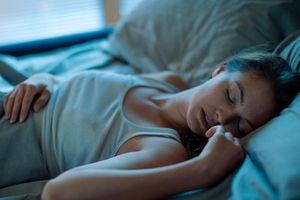 Đi ngủ khi bụng đói tưởng chẳng sao nhưng lại nguy hiểm không ngờ