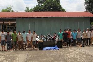 Bắt 18 đối tượng đánh bạc bằng hình thức đá gà từ trang mạng ở Campuchia