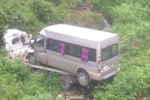 Xe cứu hộ lao xuống vực Hòa Bình, hai người chết