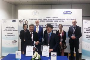 Vinamilk - Bệnh viện Chợ Rẫy ký hợp tác chiến lược nâng tầm quốc tế