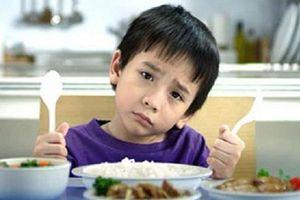 Trẻ bị suy dinh dưỡng nên ăn gì để mau chóng tăng cân?