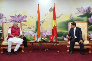 Bộ trưởng Nguyễn Chí Dũng làm việc với Bộ trưởng Bộ Doanh nghiệp siêu nhỏ, nhỏ và vừa Ấn Độ