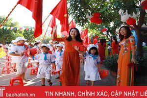 Hơn 330 nghìn giáo viên, học sinh Hà Tĩnh bước vào năm học mới