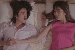Á hậu Thúy Vân 'khóa môi' trai trẻ trong phim điện ảnh đầu tay