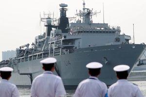 Trung Quốc tức giận vì tàu chiến Anh tiến gần Hoàng Sa